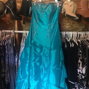 Teal/blue/green prom dress